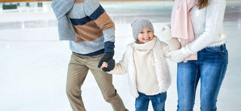 Skating family in Grey County
